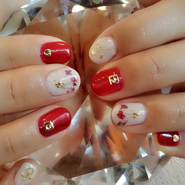 チーフtakeのブログ NO2 ブライダルネイルで人気の小花デザイン